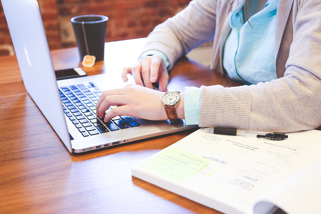 The-Benefits-Of-Hiring-A-Professional-Copywriter